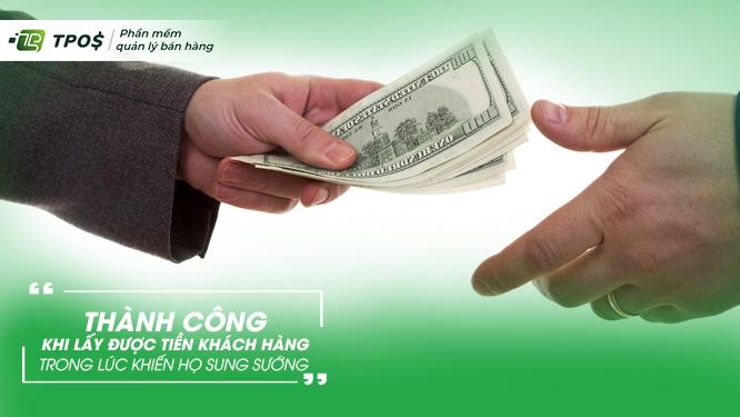 kinh doanh thành công là lấy được tiền của người khác khiến họ hài lòng